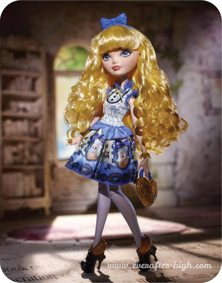 Blondie lockes doll with background