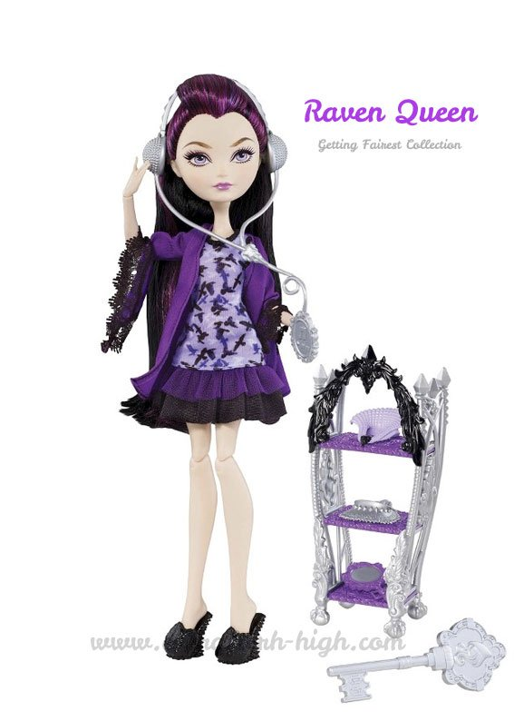 Getting Fairest Raven Queen Doll with accessories