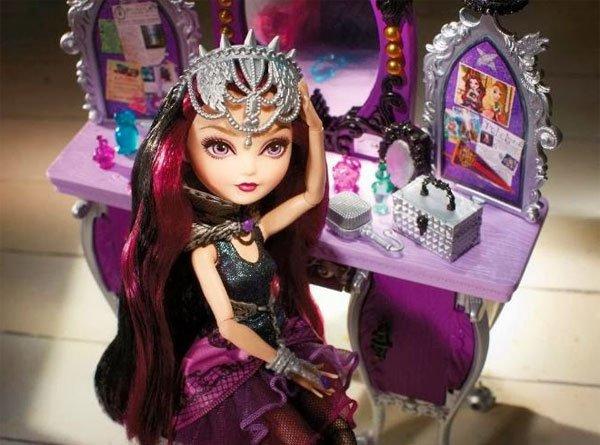Raven Queen Destiny Vanity Playset