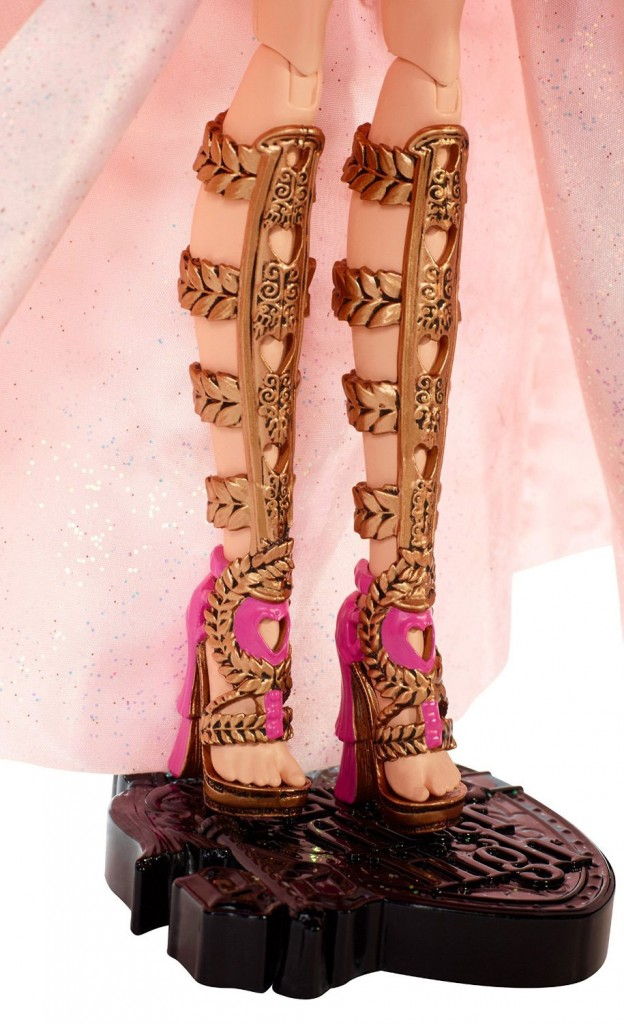 ca-cupid-thronecoming-doll-shoes
