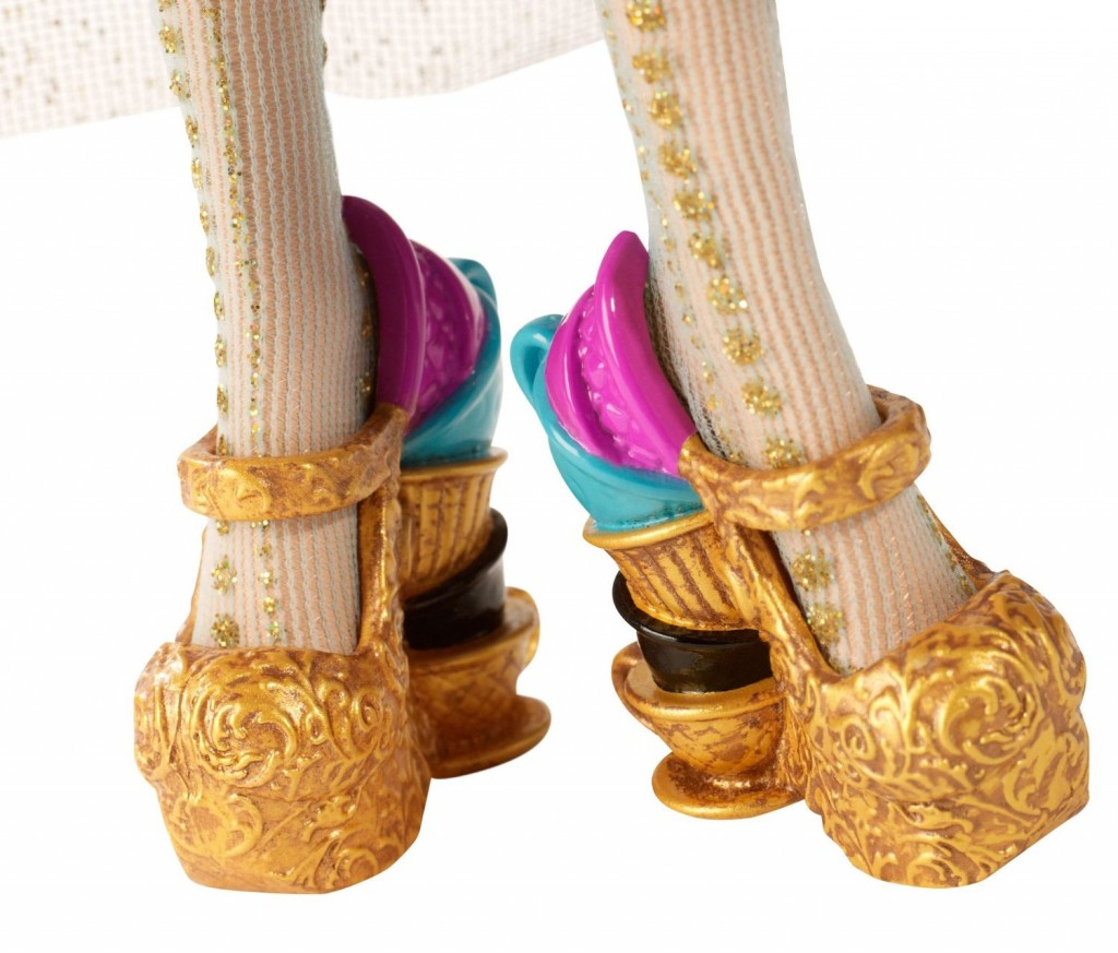 Maddeline Hatter Legacy Day Doll shoes